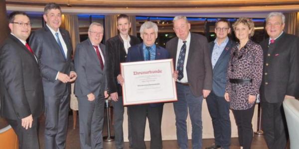 Karl Arnold jetzt Ehrenkreishandwerksmeister